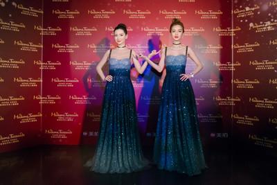 Angelababy星空長裙艷壓香港杜莎夫人蠟像館