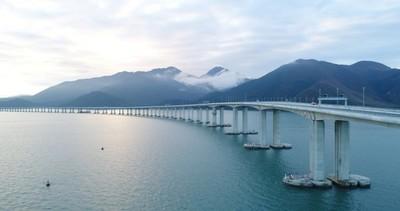 港珠澳大橋今天正式開通