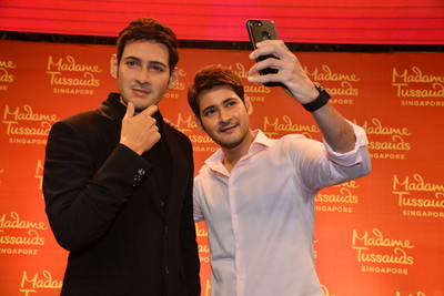 Tollywood icon Mahesh Babu unveils his unique wax figure in Hyderabad with Madame Tussauds Singapore 1