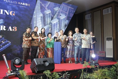 B.J. Habibie's One Billion Megadollar Superblock Project Conducts Topping Off for Third Tower 1