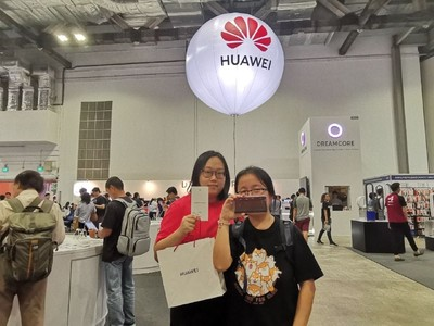 'I would still buy the phone in a heartbeat': Huawei continues to attract customers in Singapore against the odds 2