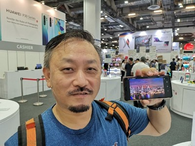 'I would still buy the phone in a heartbeat': Huawei continues to attract customers in Singapore against the odds 5
