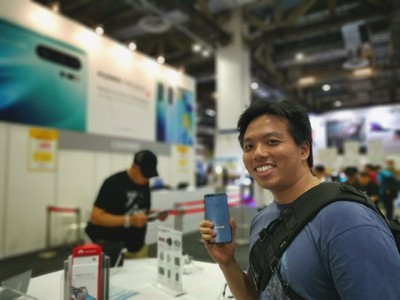 'I would still buy the phone in a heartbeat': Huawei continues to attract customers in Singapore against the odds 7