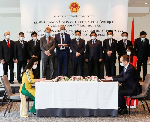 <div>T&T Group and Ørsted to invest 30 billion USD in offshore wind power development in Vietnam</div>