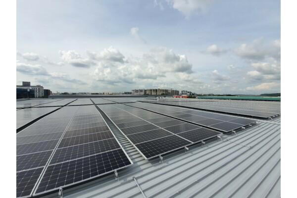 Sử dụng giải pháp năng lượng mặt trời của LYS, Extra Space Asia đã thành công trong tự lưu trữ điện