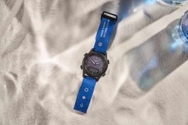 Fossil chào bán Túi xách bằng vỏ cây xương rồng và Đồng hồ sử dụng năng lượng mặt trời tại Malaysia