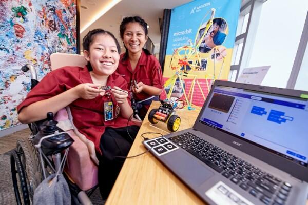 Sau 7 tháng, Chương trình Microsoft APAC Enabler đã giúp 110 người khuyết tật ở 6 nước có việc làm phù hợp