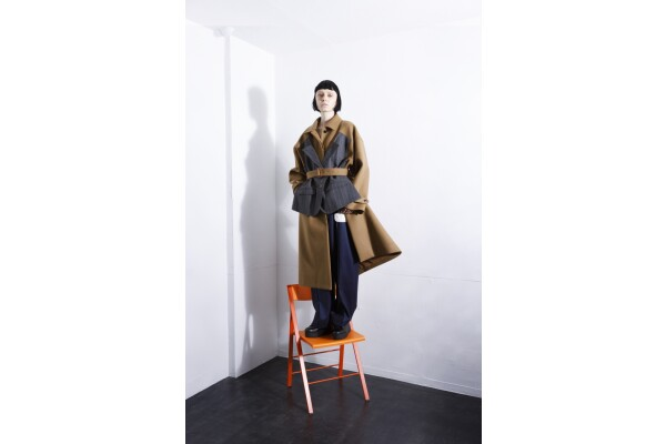 Thông qua website thương mại điện tử của mình, Maison Métaphore… đưa bộ sưu tập thiết kế mới ra thế giới
